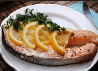 Как правильно запечь рыбу в духовке?