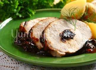 Запеченная свинина с черносливом в рукаве