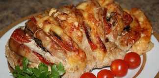 Мясо «Гармошка» с помидорами в духовке